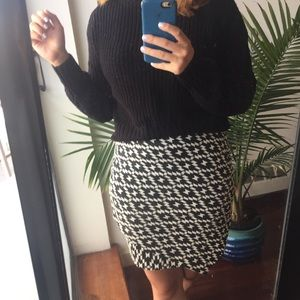 Black and white geometric mini skirt